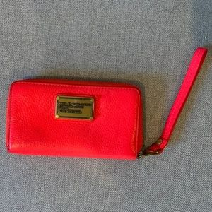 barely used Marc Jacobs wristlet